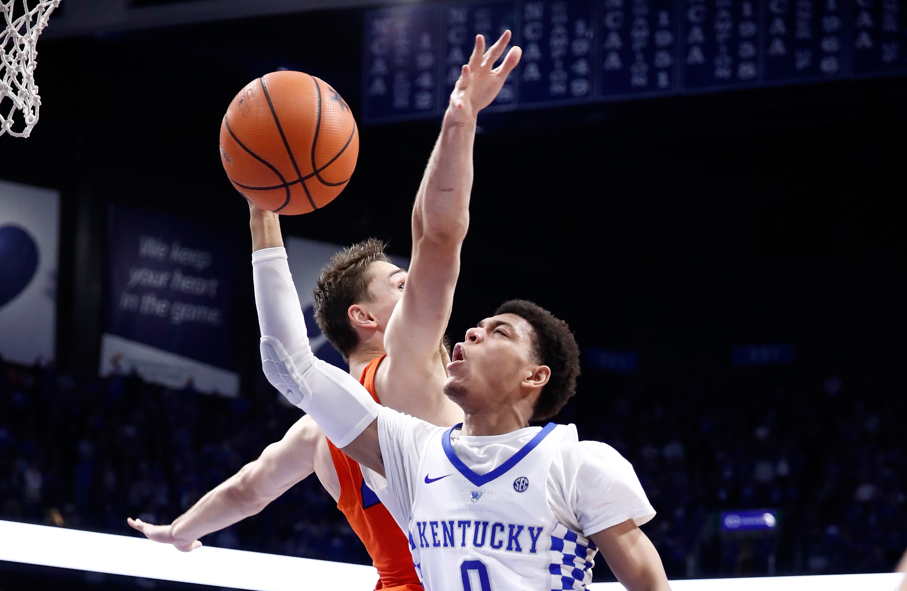 Kentucky ends losing skid against Mississippi State